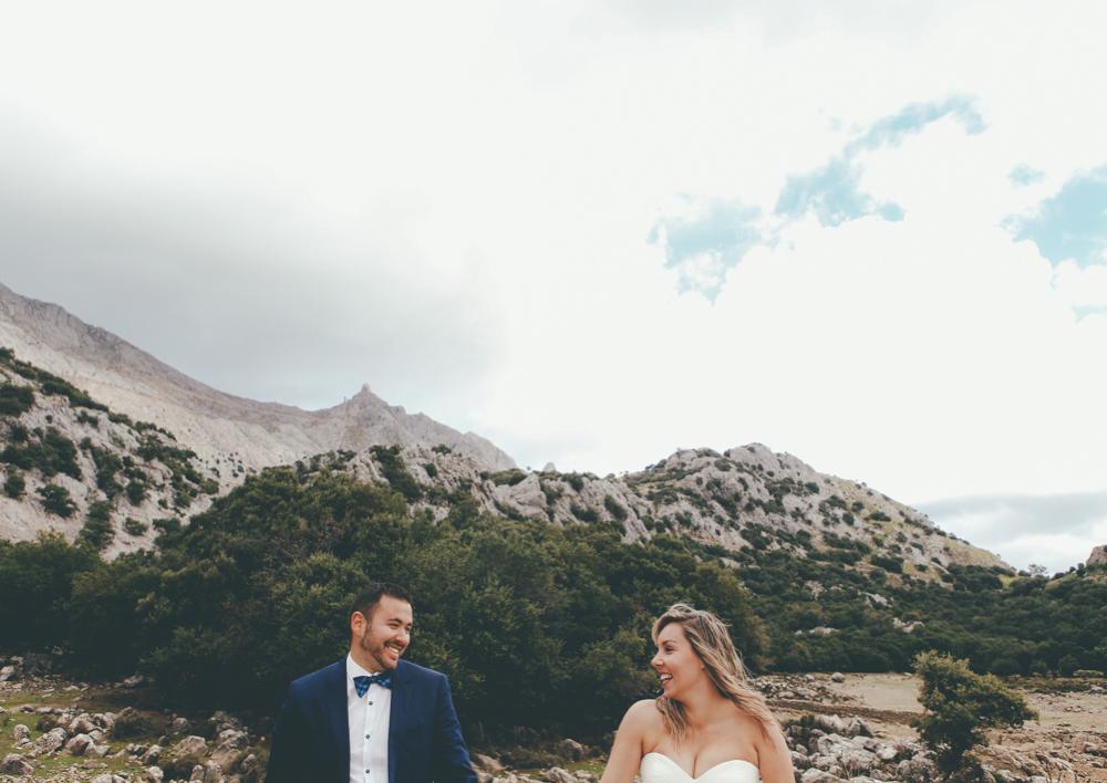 Post Wedding Gorg Blau-01